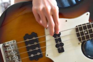 指弾きイメージ