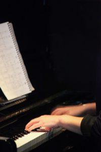 ピアノの手