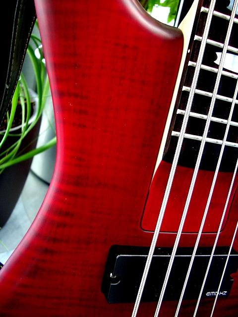 5弦ベースデメリット