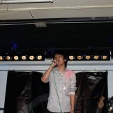 BMSライブカラオケパーティー-歌う男性