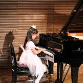 BMSオータムコンサート2017 クラッシック部門-ピアノを演奏する子供