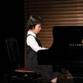 BMSオータムコンサート2017 クラッシック部門-ピアノを演奏する女子