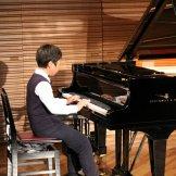 BMSオータムコンサート2017 クラッシック部門-ピアノを演奏する男子