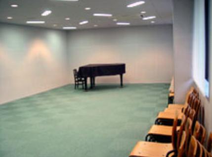 アゼリアホールピアノ